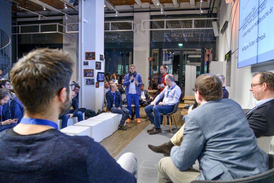 """Die """"Mobilisten Talks"""" sind eine Eventreihe, die Florian Treiß veranstaltet."""