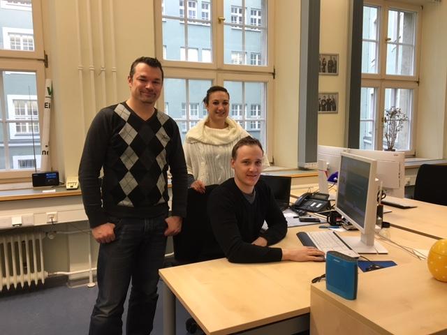 Das Social Media Team der Polizei München: Wolfgang Behr (links), Markus Ellmeier (Mitte) und Elisabeth Matzinger