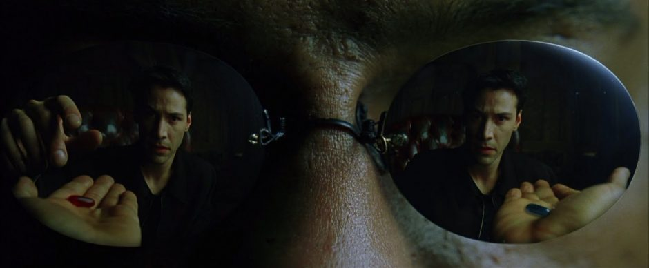 """You take the blue pill, the story ends. You wake up in your bed and believe whatever you want to believe."" (Screencapture aus ""The Matrix"", Warner Bros.)"